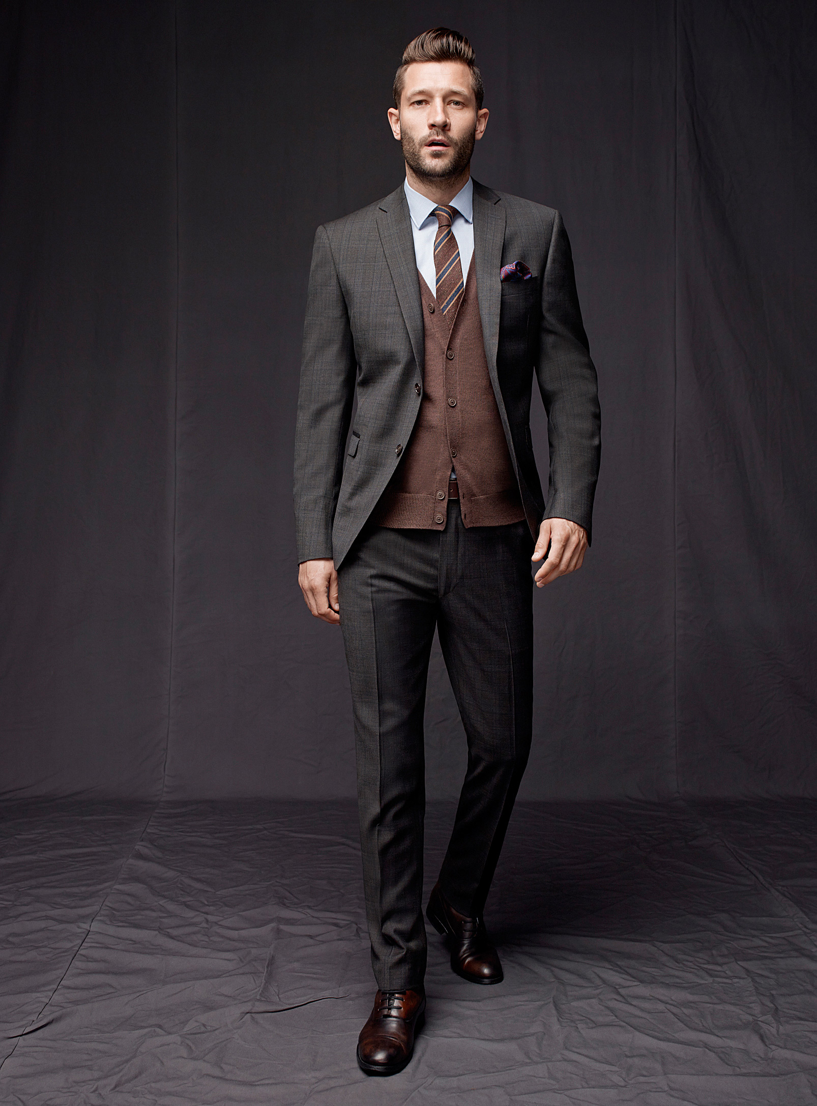 john halls is dressed for success for simons designs fever john halls simons 02