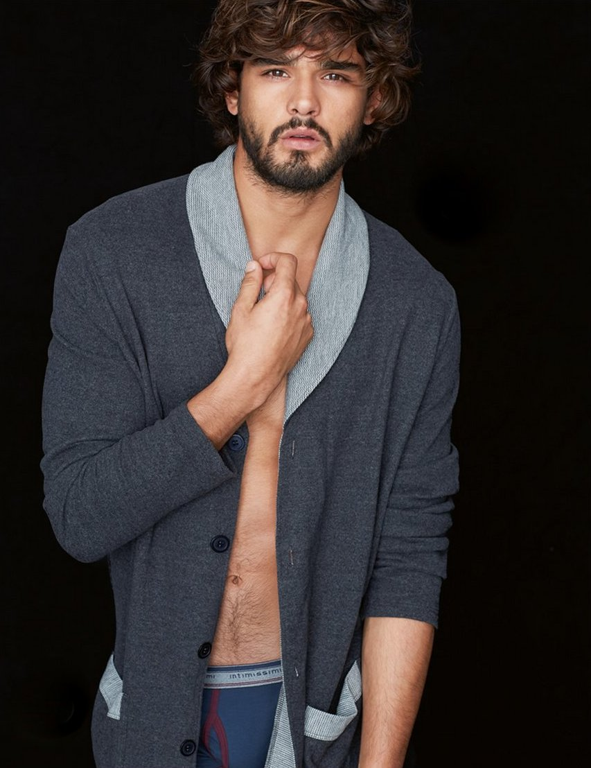... Teixeira Poses for Intimissimi Winter 2014 Look Book – DESIGNS FEVER