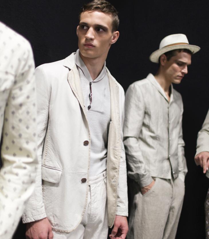 Giorgio-Armani-menswear-spring-summer-2017-BTS-026